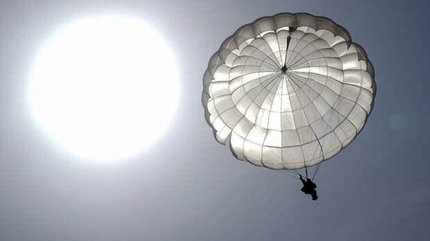 В Сети появились кадры десантирования спецназа ВДВ РФ в кислородном оборудовании