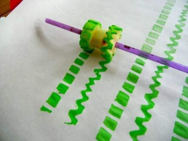 Рисунки по ткани (подборка необычных инструментов)