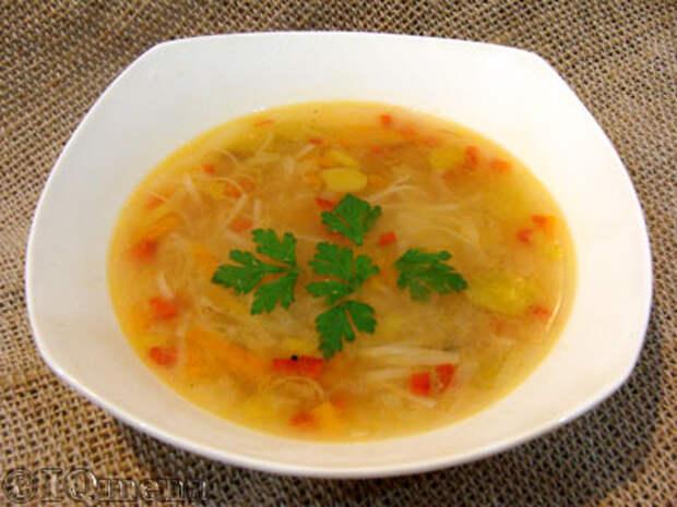 Куриный суп-лапша с луком-пореем