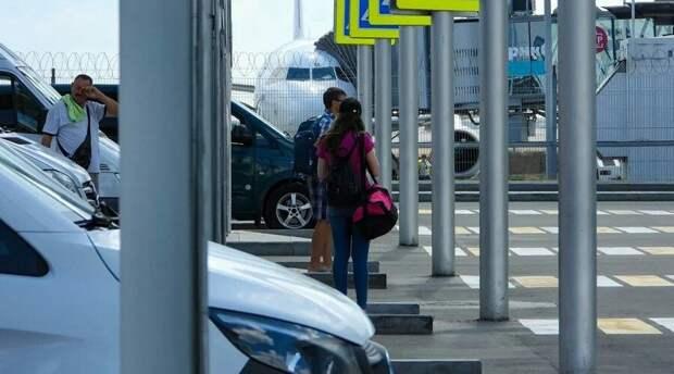 Аэропорт Симферополя побил рекорд по пассажиропотоку в майские каникулы