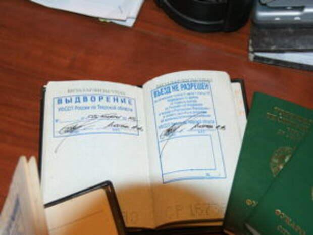 «Сказали: вы совершили уголовное преступление». Из России высылают участников протестов с иностранными паспортами
