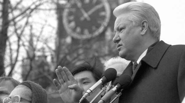 """Ельцин мог покончить с собой: """"Правда"""" всплыла спустя десятилетия"""