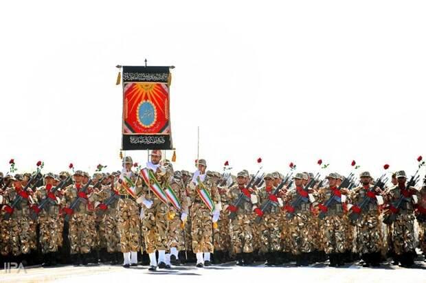 Военный парад в Иране (40 фото)