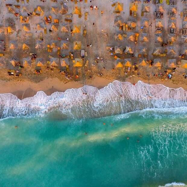 Победитель в категории «люди и вода»: Вама-Веке, восход. Автор: George Bufan, Румыния Источник: