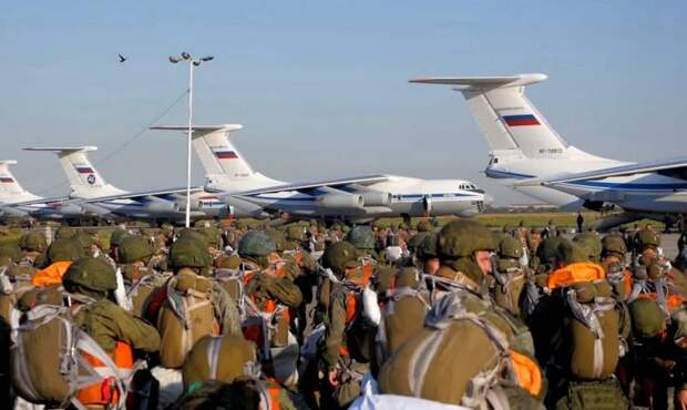 Украинский эксперт: Усиление российских войск на границе не означает скорого нападения
