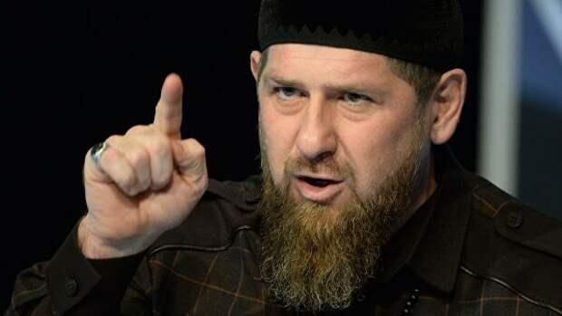 Кадыров отреагировал на слова Пескова из-за Макрона