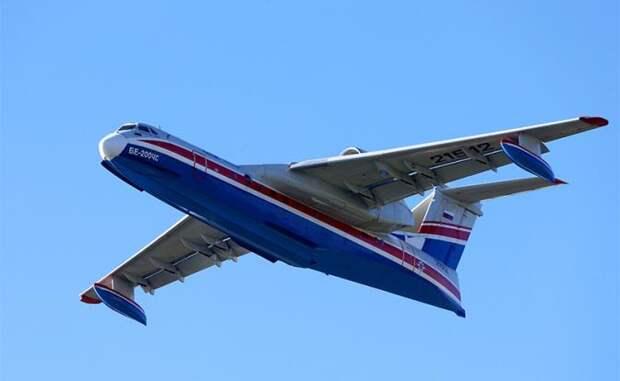 На фото: самолет-амфибия Бе-200ЧС
