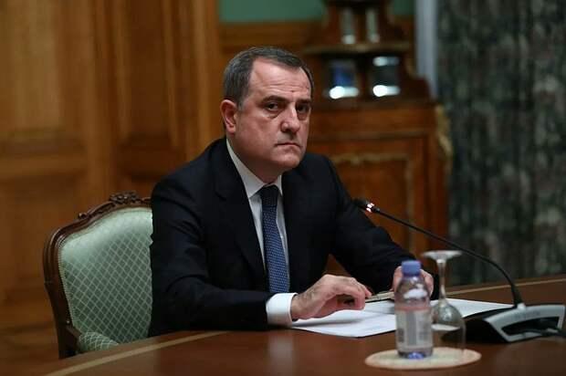 МИД Азербайджана: Баку и Ереван обсуждают устранение напряжённости на границе