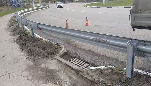Решетку восстановили на ливневой канализации в Подольске после жалобы жительницы