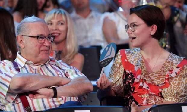 Звездный таролог предрекла перемены в жизни Петросяна и его новой жены