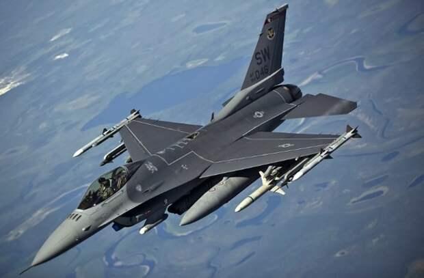 В Германии разбился истребитель F-16
