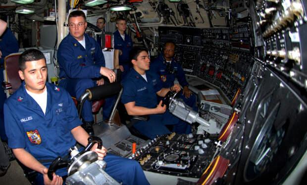 Внутри атомной субмарины: редкие видеокадры устройства боевой подлодки с ядерным оружием на борту