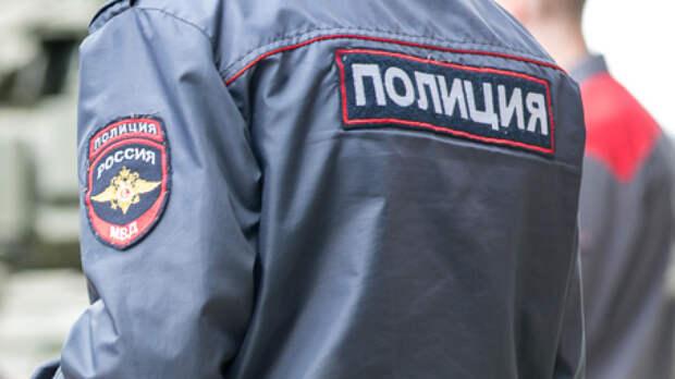 Полицейские подстрелили напавшего на них мужчину с ножом в Челябинске