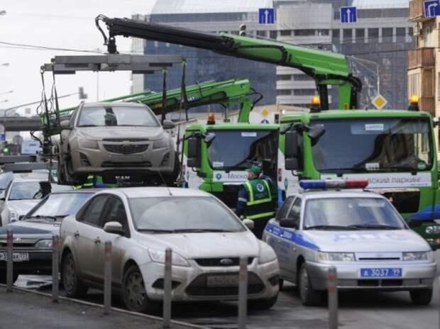 Москва на треть увеличит количество эвакуаторов