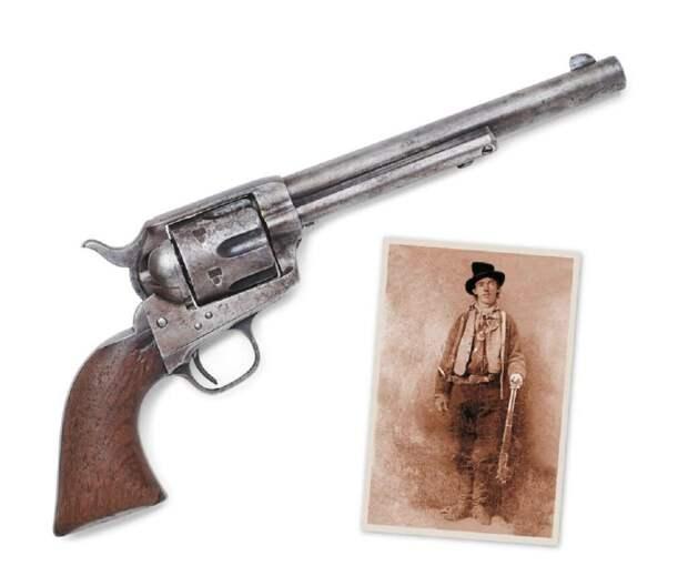 _пистолет_аукцион-1024x858 Оружие, из которого застрелили Малыша Кида, продали на аукционе за $6 миллионов