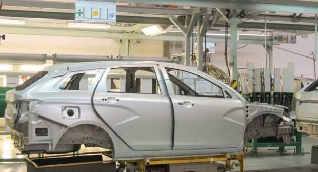 «АвтоВАЗ» объяснил, почему газовые упоры капота не ставят на машины Lada с завода