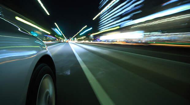 Как правильно водить машину ночью
