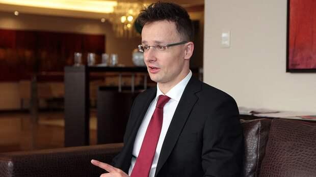 Глава МИД Венгрии планирует отправиться в Донбасс