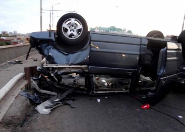 Семь человек пострадали в крупном ДТП на Новом мосту в Астрахани
