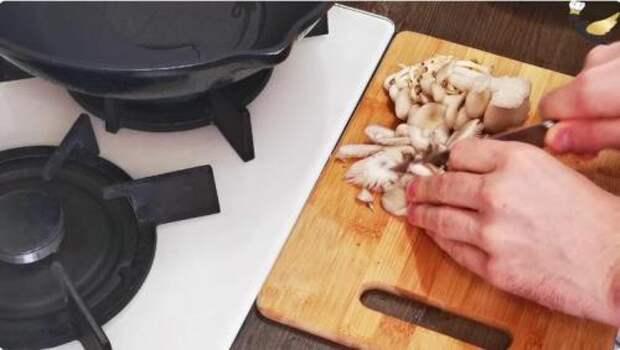 Готовлю гречку «по-польски», получается очень вкусно. Семья в восторге от такого блюда!