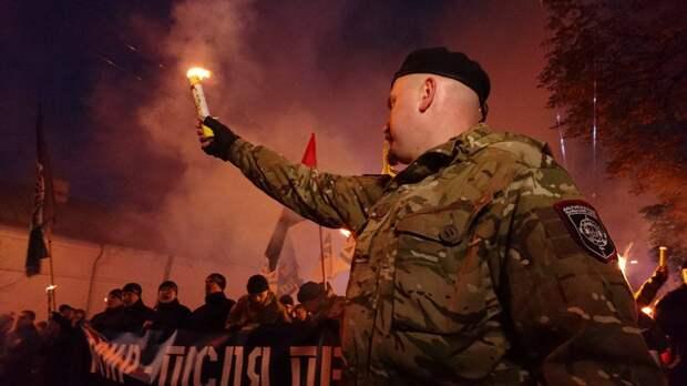 Гибридная националистическая диктатура Украины