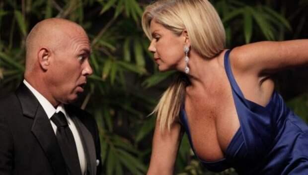 Зачем женщинам большая грудь? Объясняют ученые