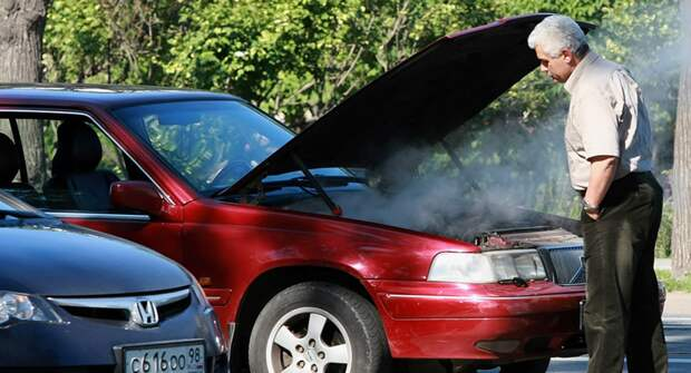 Российским автомобилистам напомнили об ошибках, которые нельзя совершать летом