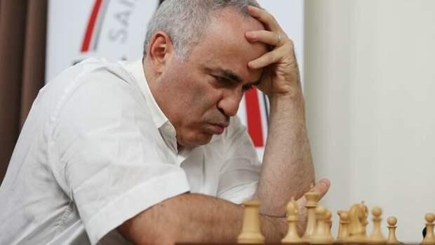 Гарри Каспаров требует бойкотировать выборы