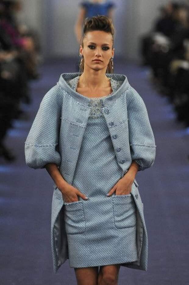 В стиле CHANEL: костюмы и платья на холодное время года