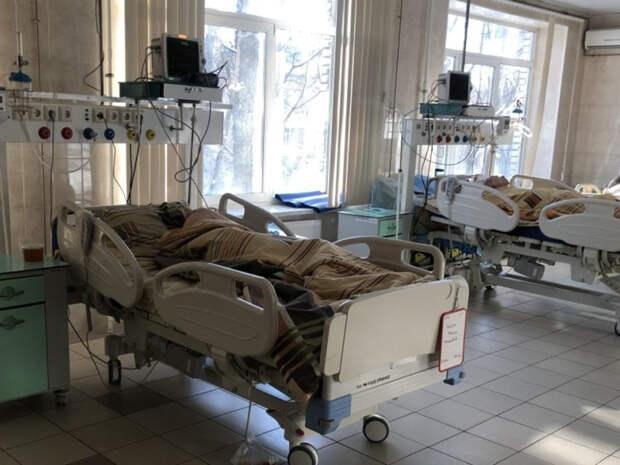 Названы шестикратно повышающие риск смерти от COVID-19 симптомы