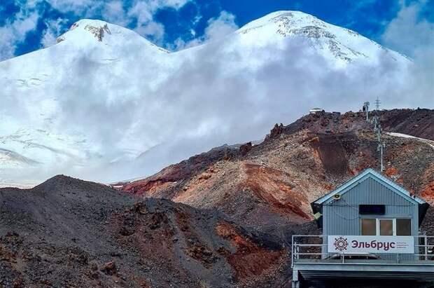 Альпинист умер при восхождении на Эльбрус