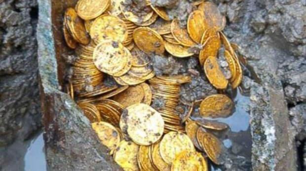 Театр Крессони, где были найдены монеты, находится недалеко от древнего города Новум Комум, где находится множество других важных римских артефактов.