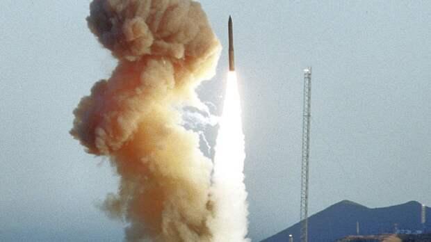 Военный эксперт объяснил причину провала американской ракеты Minuteman III