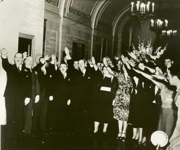 Парад Бунда в Нью-Йорке 1937.