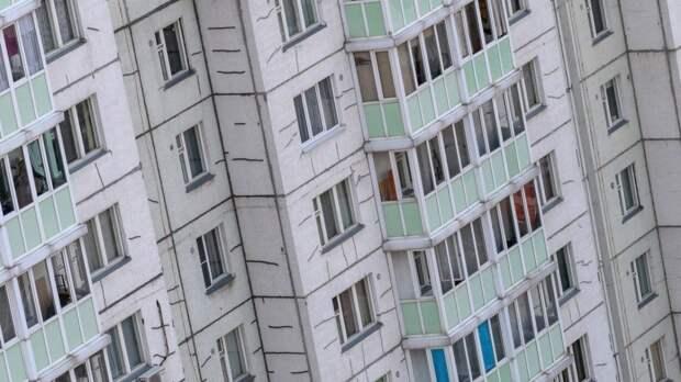 Младенец выпал из окна во время проветривания в Подмосковье