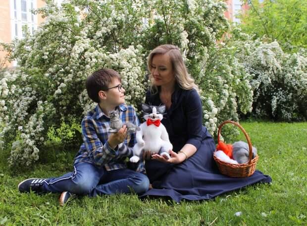 Наши соседи: экономист из Марьина делает шерстяных котиков