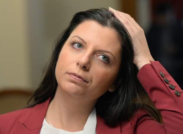 Маргарита Симоньян : Иначе некрасиво получается. Иначе вы получаетесь такой же фашист.