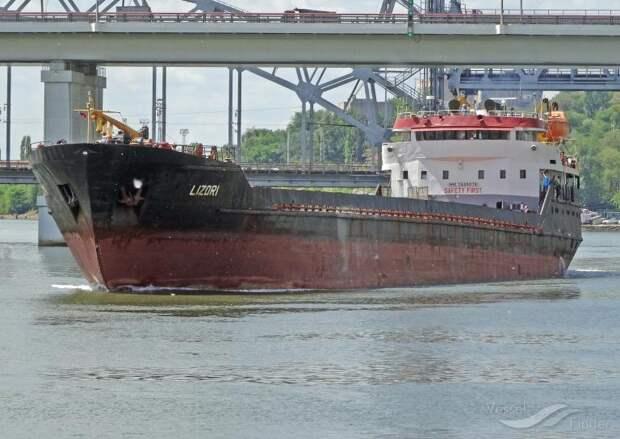 Зеркальный ответ? В РФ задержали украинское судно и пристыдили Украину