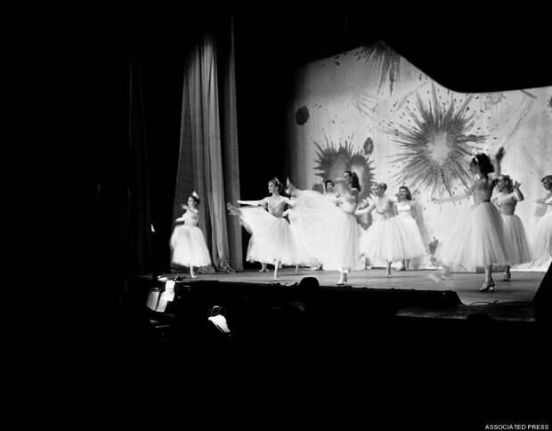 burlesque17 Краткая, но потрясающая история бурлеска в 1950 х годах