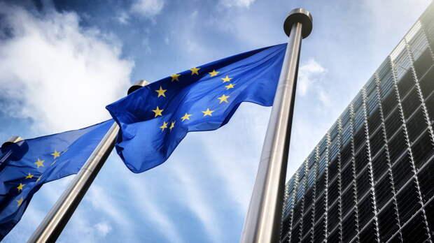 Санкции против россиян на год продлили в Евросоюзе