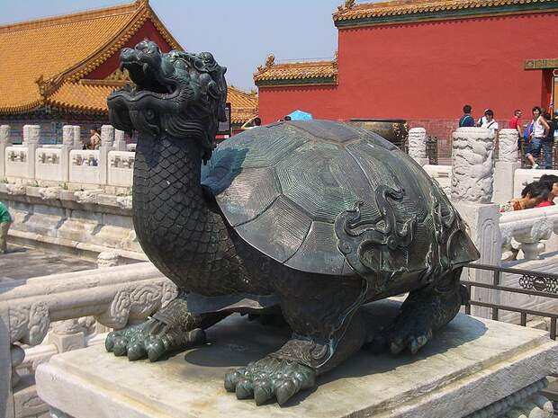 Файл:Forbidden-City-Bronze-Tortoise-4015.jpg