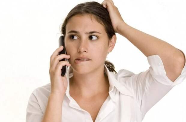 Звонит и требует, чтобы мать не помогала сестре, а сестра отстала от матери со своими детьми