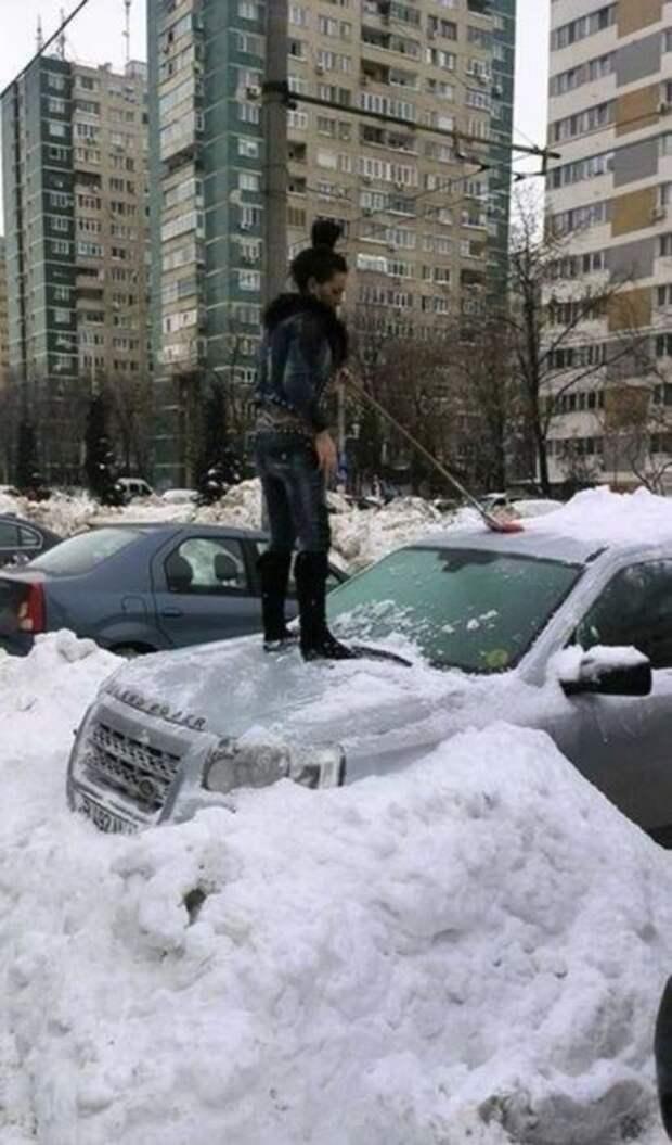 Чистка снега.