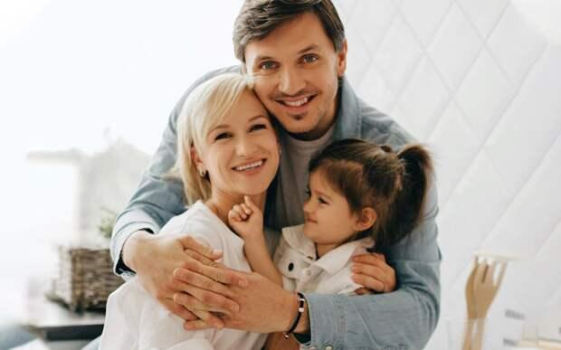Волосожар о желании завести 2-го ребенка: «Траньков сказал: «Не знаю, как можно любить еще кого-то, кроме Анжелики»