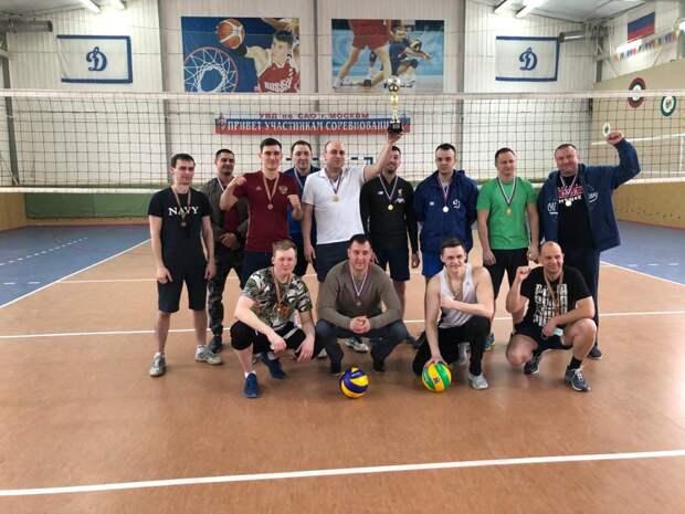 Команда Западного Дегунина выиграла соревнования по волейболу