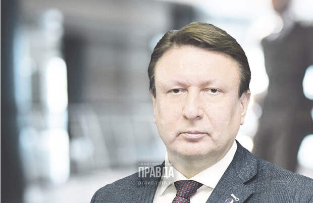 Глава городской Думы Олег Лавричев поздравил медработников