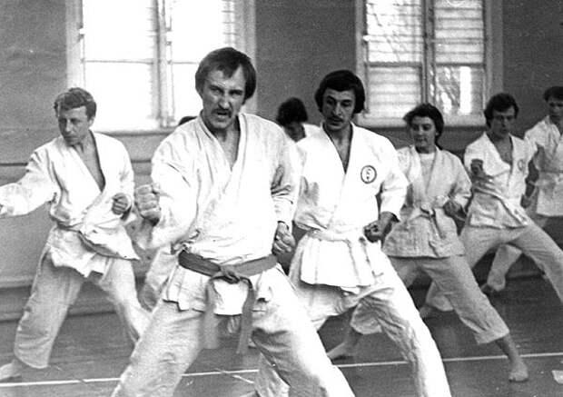Астральное карате, бой на бегу и боевая аэробика: сомнительные школы боевых искусств