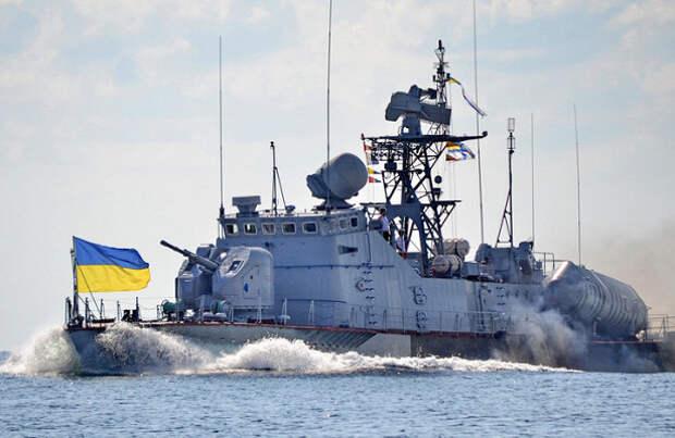 Курс на Крым? Военные катера из Одесского порта отправились в боевой поход