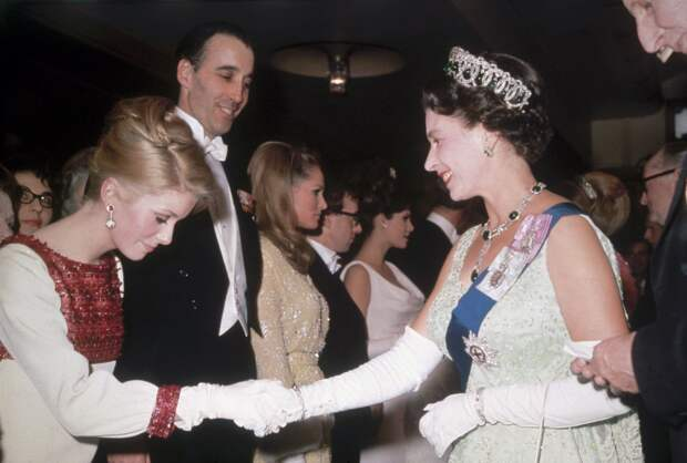 What 50 celebrities wore to meet the Queen | Catherine deneuve, Queen elizabeth, French actress