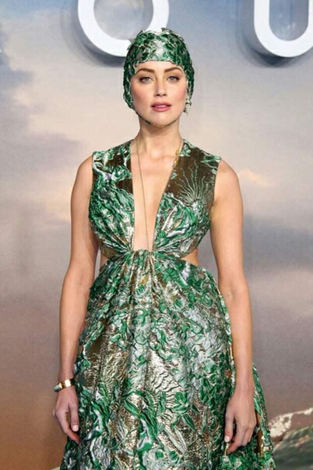 Королева Атлантиды Эмбер Херд и ее шапочка для плавания